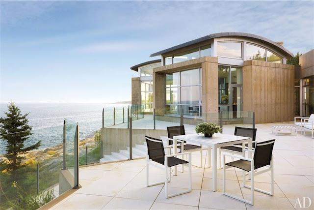 Una casa de lujo al mismo borde del mar chicanddeco