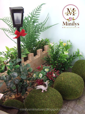 """minilys miniatures"" ""garden"" ""dove"" 1:12 farola"