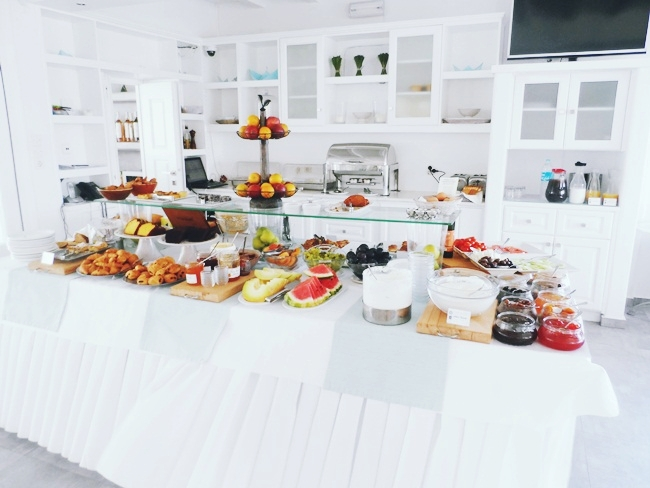 Minois village hotel & spa breakfast buffet
