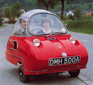 mini automóvil inusual