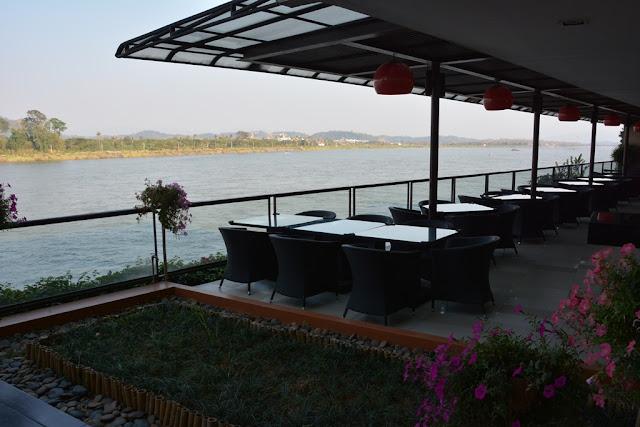 Mekong River Chiang Rai serene hotel