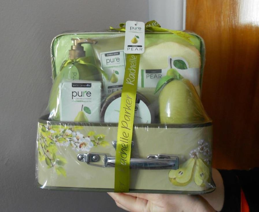 Deluxe Fresh Pear Bath Gift Set