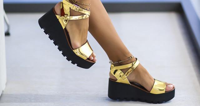 Platforme negre aurii la moda ieftine online pentru tinute fahsion