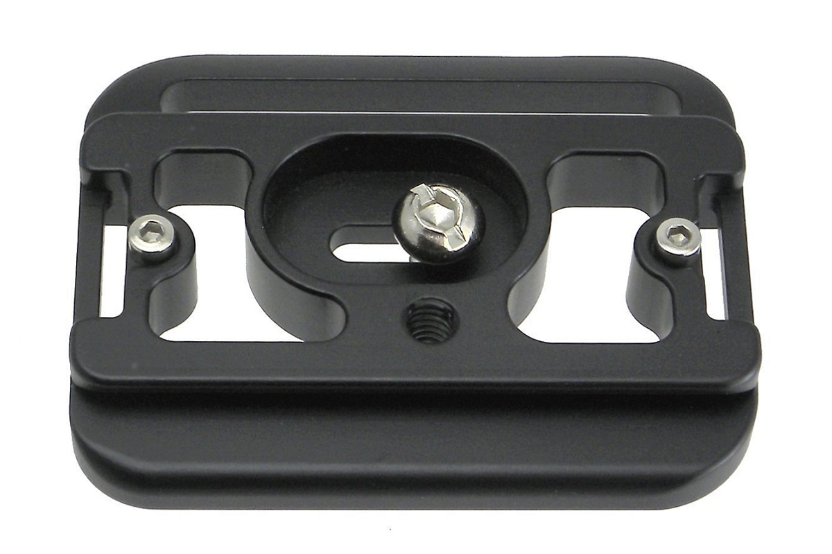 Desmond D7DG QR plate for Canon 7D w/ BG-E7 grip - bottom view