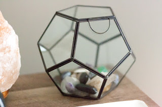 Home decor on a budget. Glass terrarium. Boho apartment style.