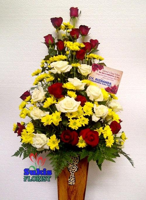rangkaian-bunga-meja-mawar-sidoarjo
