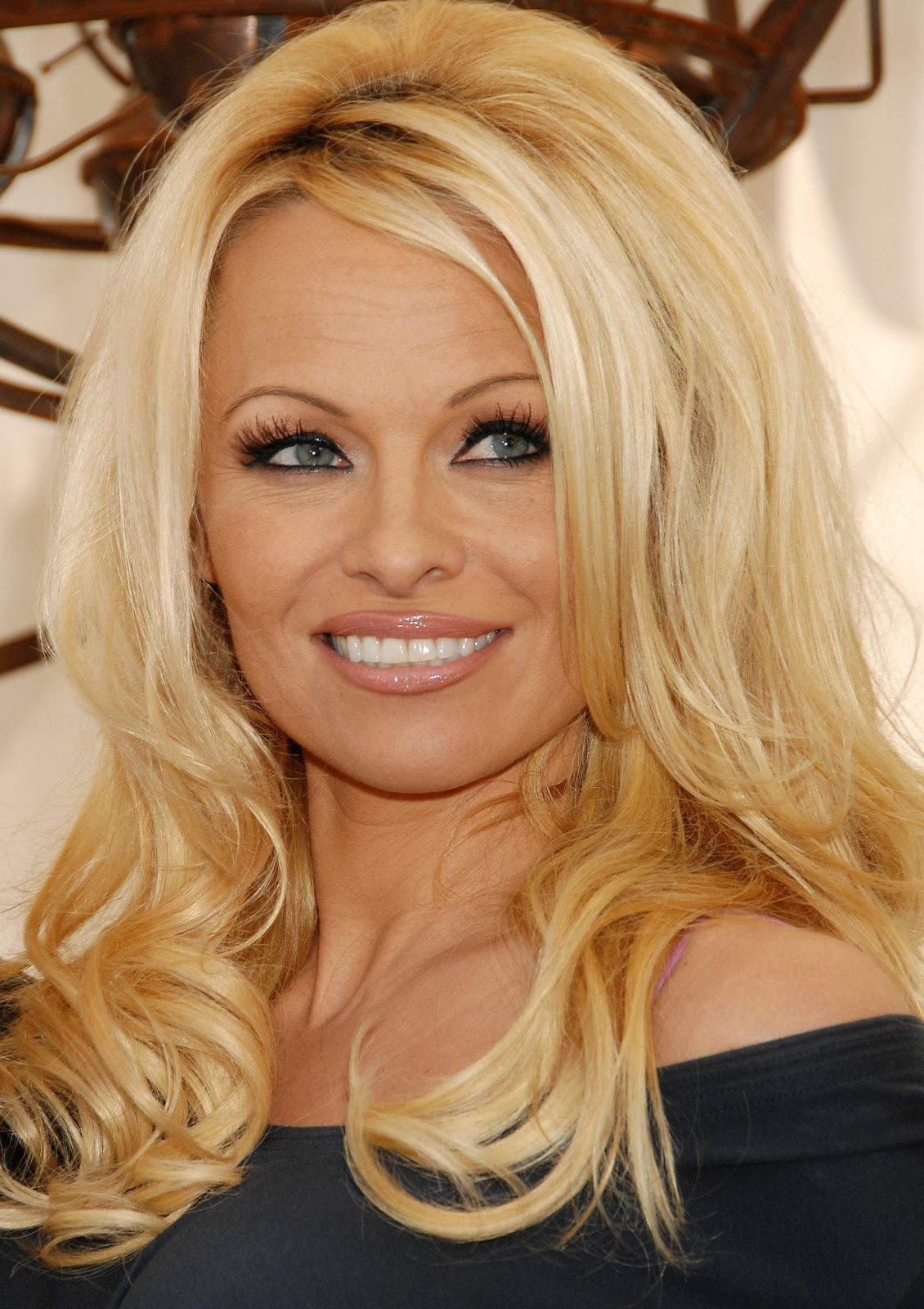 photo Pamela Anderson born July 1, 1967 (age 51)