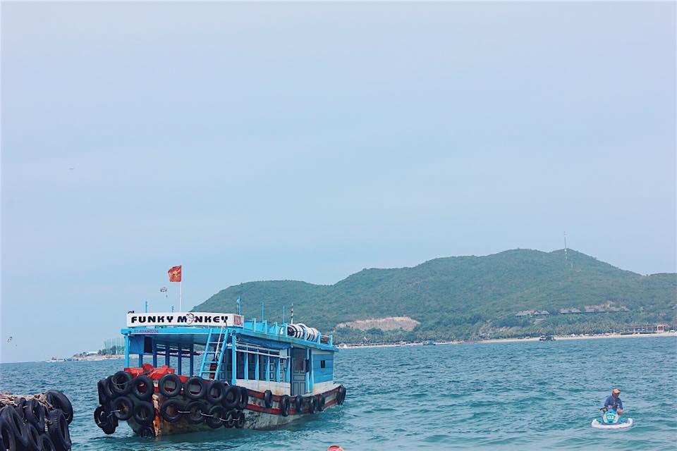 Tàu đi ra đảo Bình Lập & khu du lịch Sao Biển Nha Trang