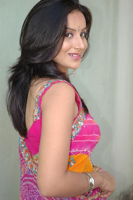 gorgeous-Indian-bhabhi
