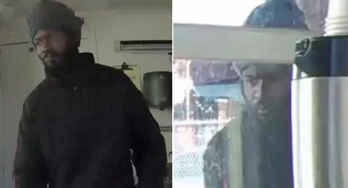 Atracador se masturba públicamente antes de intentar robar en una cafetería de Brooklyn