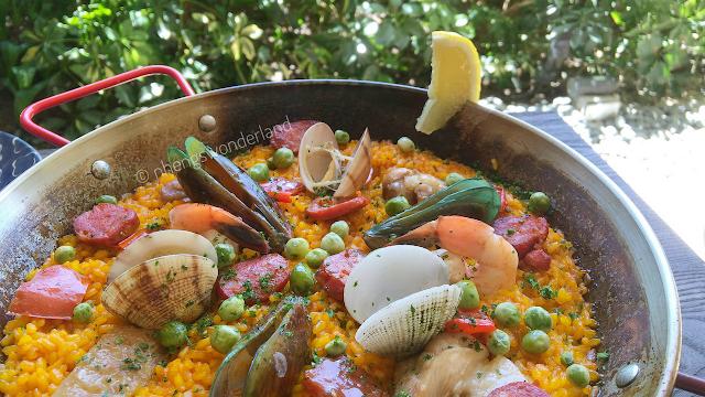 Paella De Marisco Y Pollo