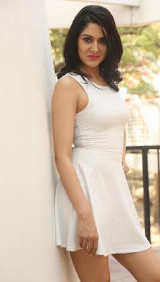 Sakshi Chaudhary latest hot photos
