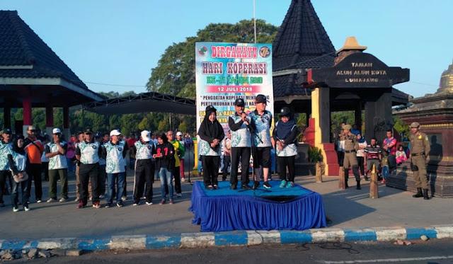 Bupati memberangkatkan peserta sepeda dan jalan sehat