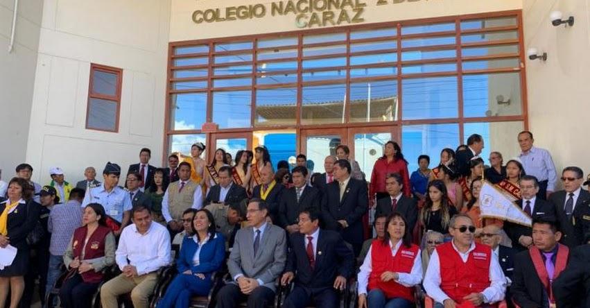 Presidente Martín Vizcarra presidió ceremonia por aniversario de colegio emblemático de Caraz - Áncash
