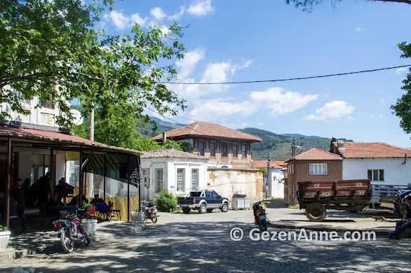 Güre köyünün huzur dolu ortamı, Kazdağları, Edremit