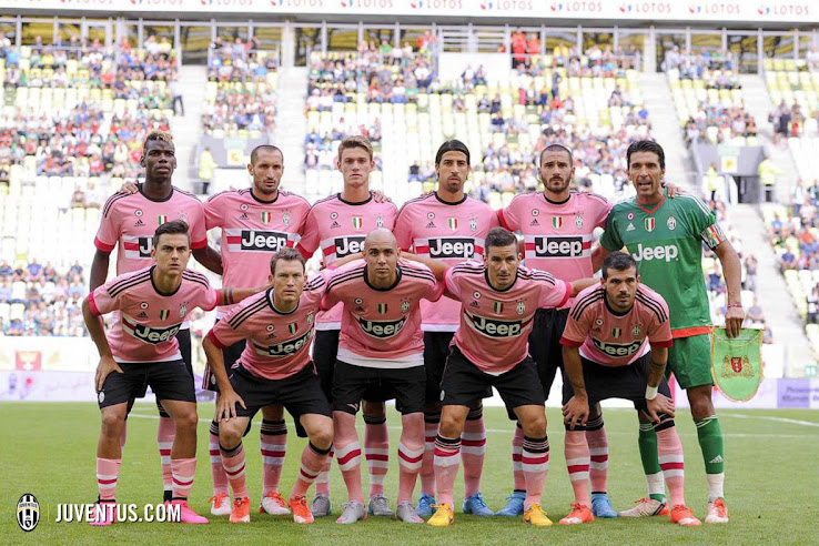 sports shoes 78691 d55c7 Pretty in Pink - Juventus 15-16 Away Kit | On-Pitch Debut ...
