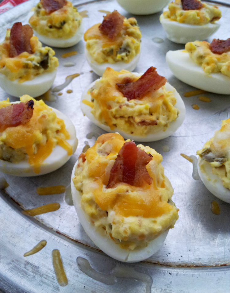 Featured Recipe: Jalapeno Popper Deviled Eggs from SteakNPotatoesKindaGurl #SecretRecipeClub #recipe