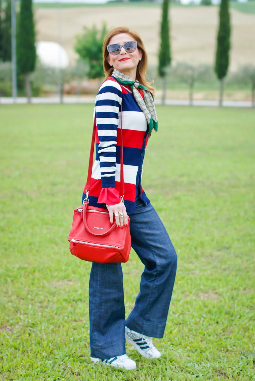Preppy style outfit with Smash! cardigan on Fashion and Cookies fashion blog, fashion blogger style