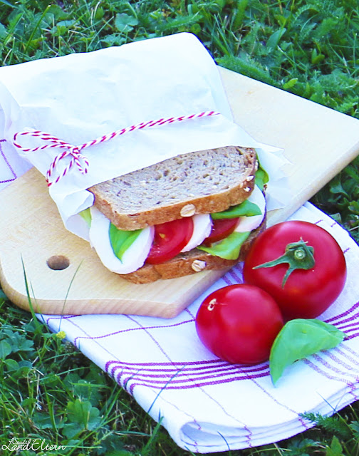 Gesundes - Pausenbrot - Tomate - Mozzarella