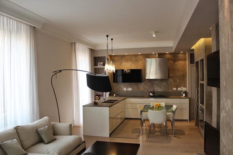 Pavimento grigio chiaro colore pareti rb93 regardsdefemmes for Pareti grigie soggiorno