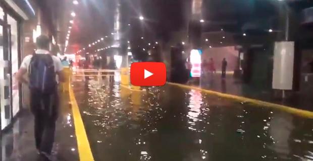 Se inundó el Centro Comercial San Ignacio por las lluvias y la falta de mantenimiento de Caracas