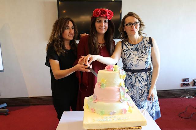 Onyüzmilyonoje Blogger Şenliği Pasta Kesimi