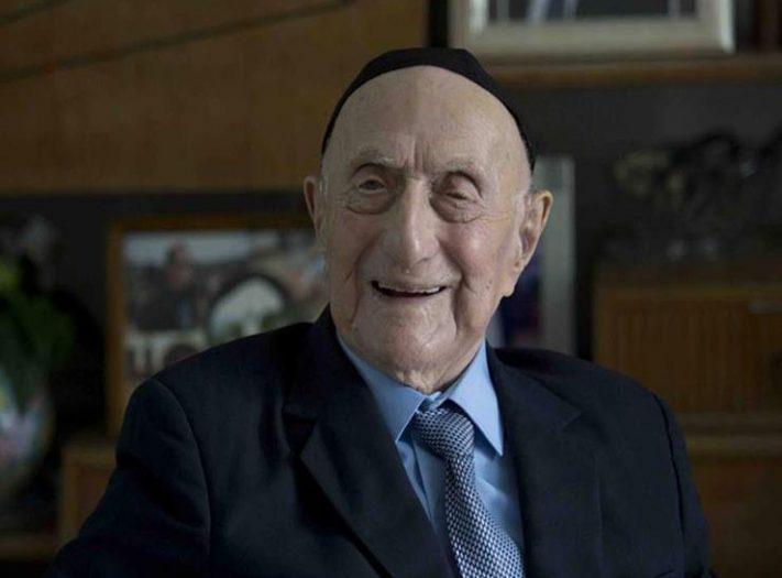 وفاة أكبر رجل معمر في العالم عن 113 عاما في إسرائيل