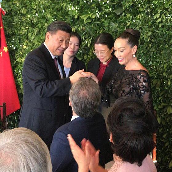 Mora Godoy sorprendió con su arte a Xi Jimping en Olivos