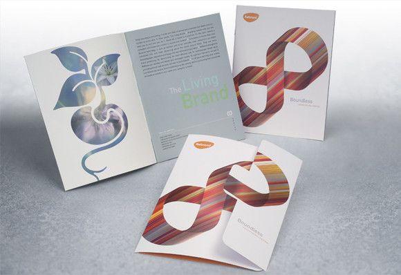 Kesederhanaan dalam desain brosur untuk tampil unik dan kreatif