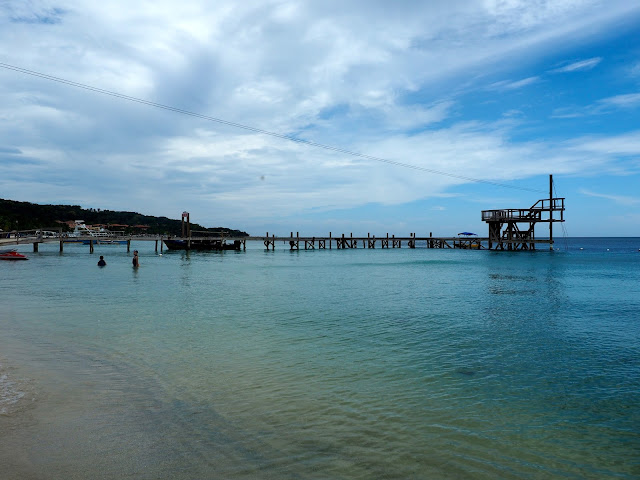 Ocean view from West Bay Beach, Roatan Island, Honduras