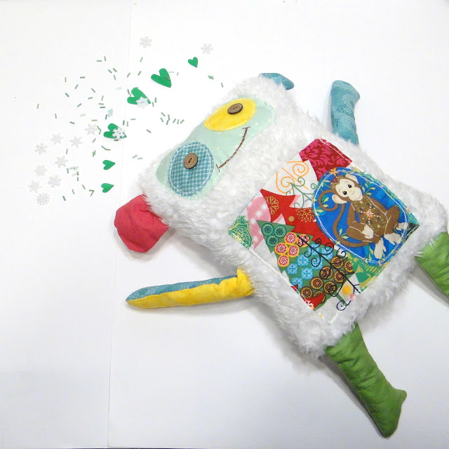 Подушка игрушка Обезьяна: белая и пушистая - мягкая игрушка ручной работы. Единственный экземпляр, доставка почтой или курьером