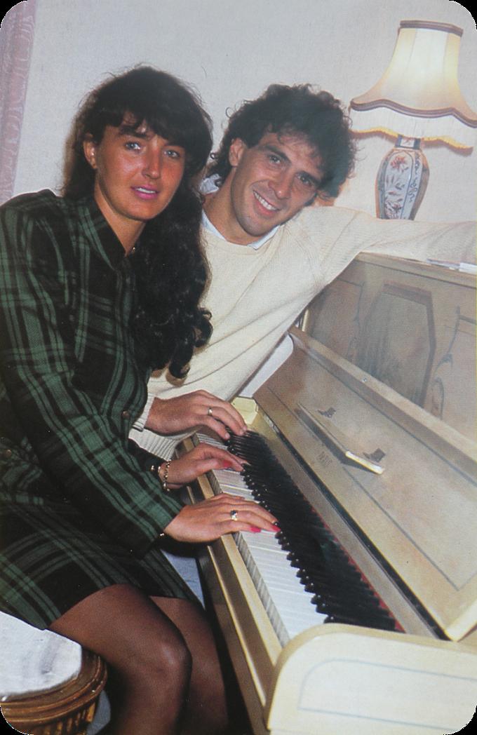 WAGs RETRO. Michel Bibard et sa pianiste.
