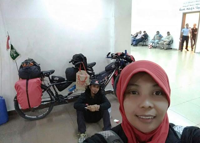 Suami GP Ansor Istri Fatayat, Kini Tiba di Mesir dengan Ontel
