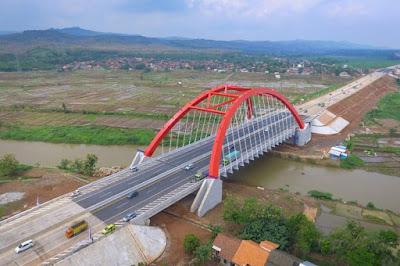 Alasan Banyak Pengemudi Truk yang Enggan Melintas di Tol Trans Jawa