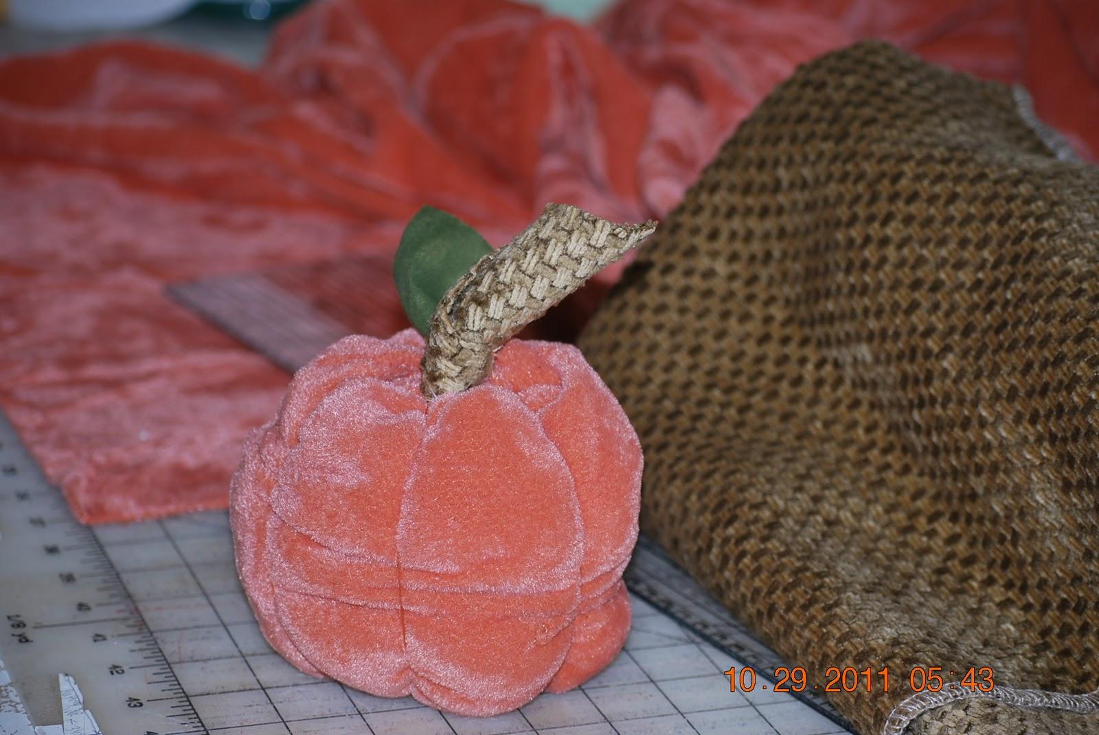http://joysjotsshots.blogspot.com/2011/10/punkin-time.html