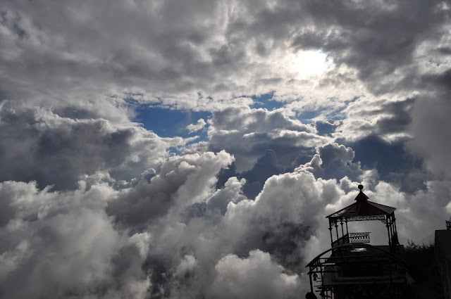 clouds in surkanda devi