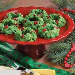 No-Bake-Holly-Wreaths-recipe
