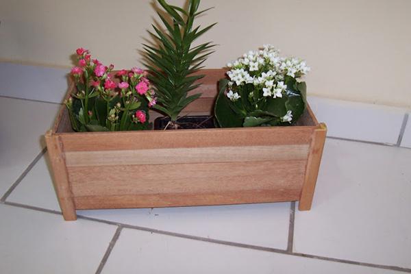jardineira-de-madeira-abrir-janela