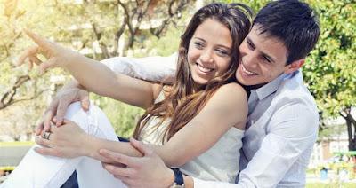 Menurut Wanita 5 Hal Ini Lebih Romantis dari Hadiah ataupun Kata Cinta