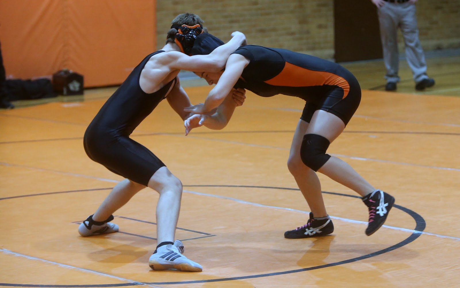 Men Wrestling Women Female Wrestler Pins Male Opponent-8668