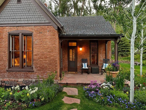 Content in a cottage for Brick cabin