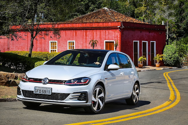 VW Golf GTI chega as autorizadas com 230 cv