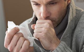 Un vaciado explosivo de aire como defensa es la definición de la tos.