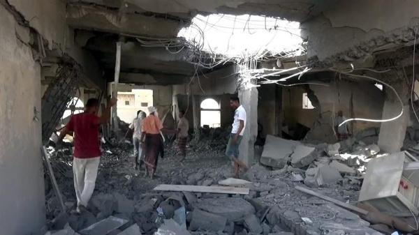 Bombardeo saudí a una cárcel de Yemen deja 60 muertos