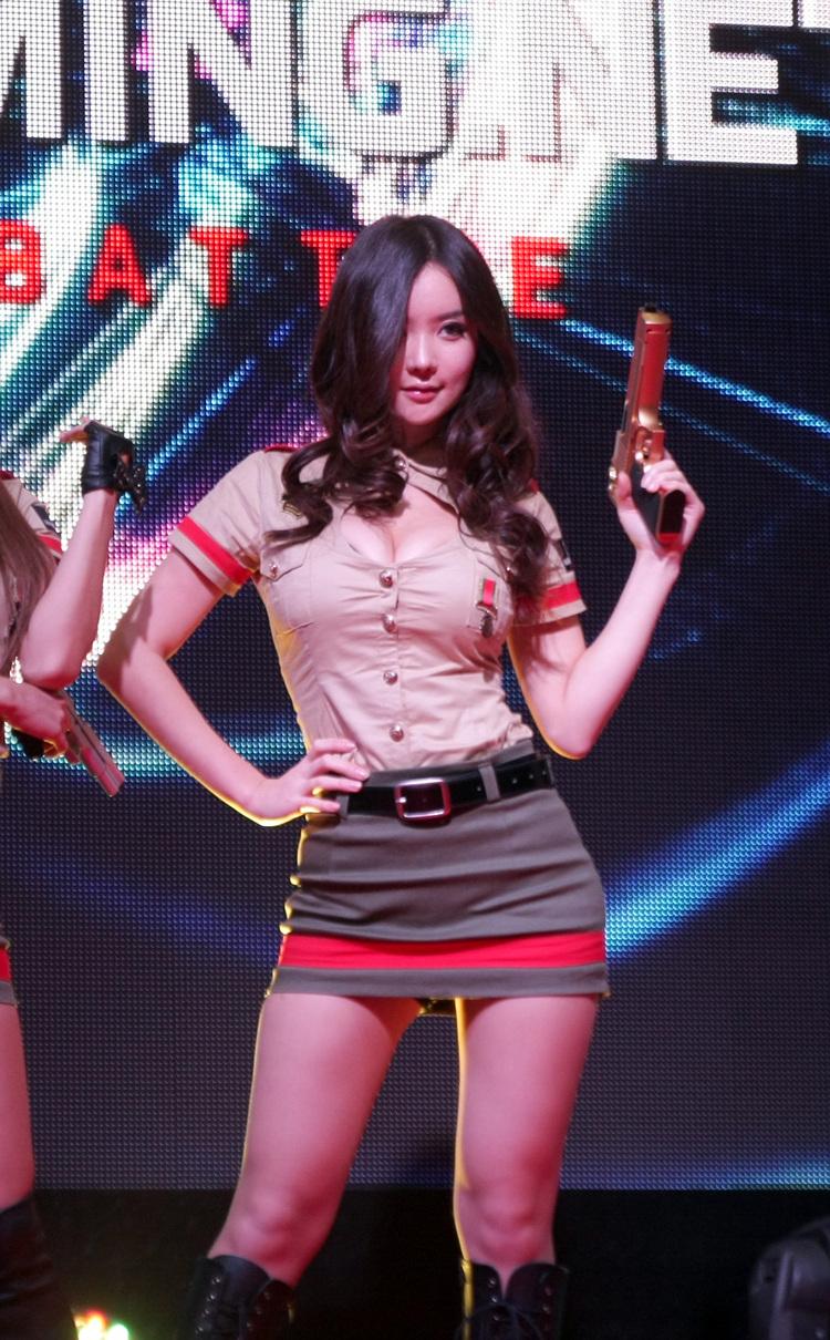 xxx nude girls: Im Ji Hye at G-STAR 2012