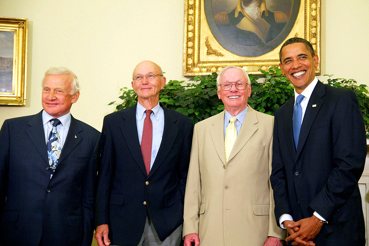moon neil armstrong obama picture - photo #11