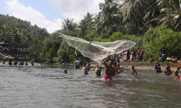 Meriah Pesta Rakyat A'Jalaombong, Di Muara S. Sangkulu-Kulu Selayar