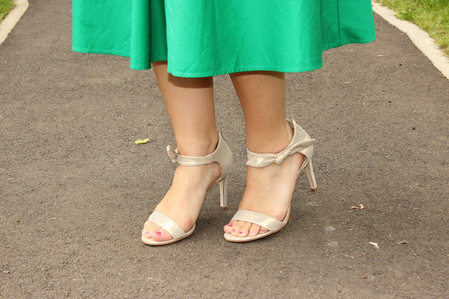 Robe verte zara, panier and other stories, sandales minelli les petites bulles de ma vie