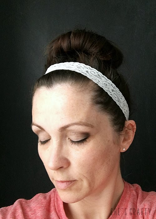 How to make a lace headband from ribbon and elastic