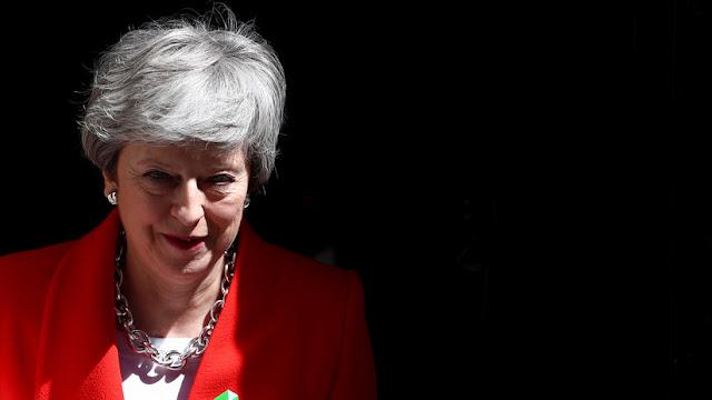 Theresa May pondrá fecha a su renuncia tras la última votación sobre el 'Brexit' en el Parlamento